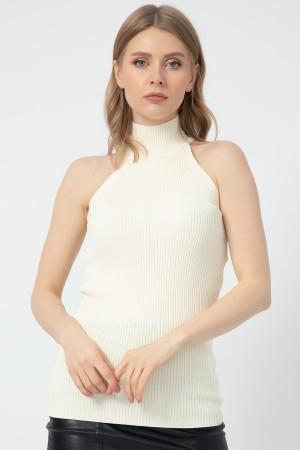 Sleeveless Turtleneck Knitwear