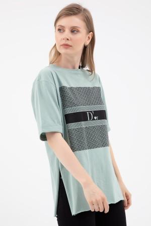Zero Collar Slit T-shirt